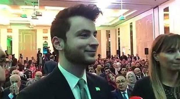 Davutoğlu'nun partisinin kurucular kurulu üyesi: Davutoğlu'nun azından diploması var