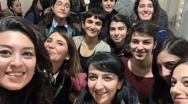 Kadıköy'de Las Tesis dansı yaptıkları için gözaltına alınan kadınlardan adli kontrole itiraz