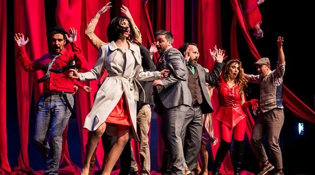 'Bir Yaz Gecesi Rüyası' yılın son oyununu Anadolu Yakası'nda sahneleyecek
