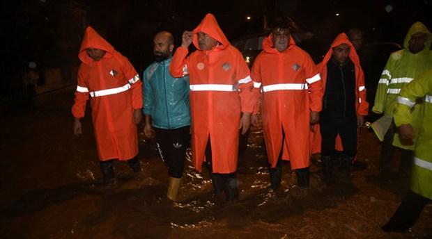 Adana'da sel   Zeydan Karalar: Altyapı sorunu bizden kaynaklanmıyor