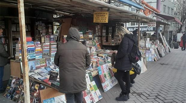 Kitapçılar köprüsündeki esnaf, seslerini duyurmak istiyor: İşgalci değil, kitapçıyız!