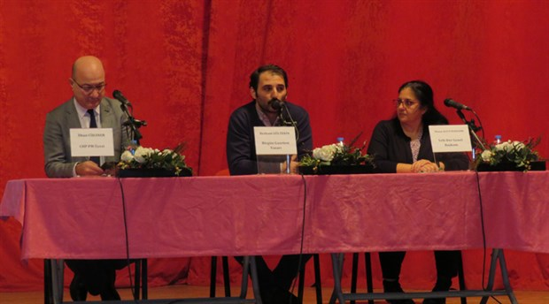Gaziemir'de 'Türkiye'de Laiklik Mücadelesi' tartışıldı