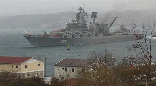 Rus savaş gemisi Kadıköy'de demirledi