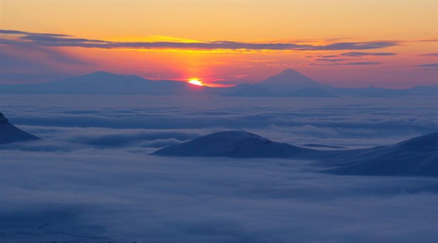 Iğdır'da bulut denizinden görsel şölen