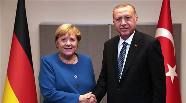 Erdoğan, Merkel ile görüştü