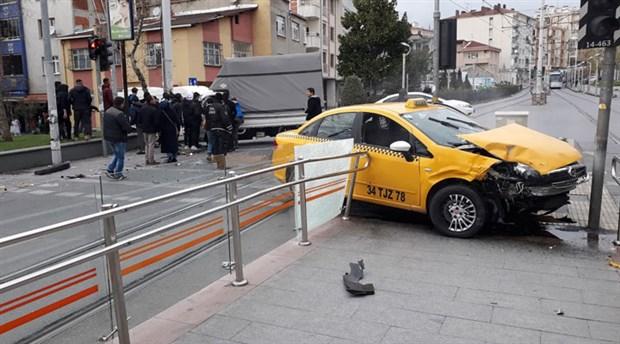 Güngören'de trafik kazası: Tramvay seferleri aksadı