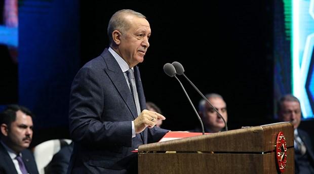 2 saat 7 dakika konuşan Erdoğan: Alkış gelmiyor