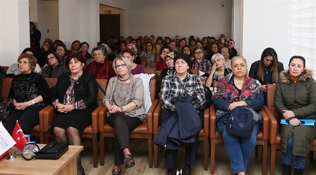 Efeler'de kadın sağlığı paneli