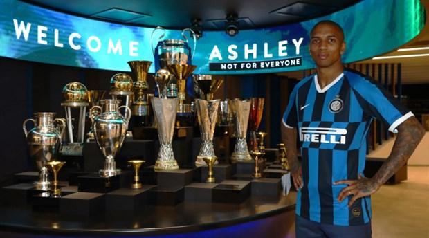 Inter, Ashley Young'ı kadrosuna kattı