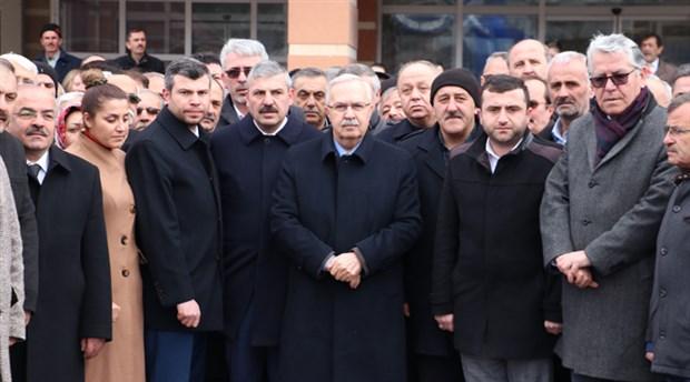 Akit'in 'kumar oynarken bastık' dediği AKP'li vekilden suç duyurusu
