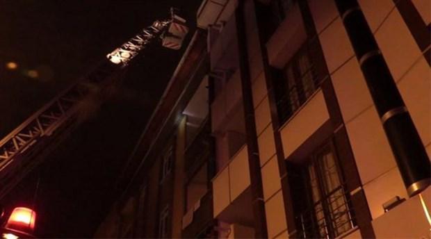 Esenyurt'ta yangın: 10 kişi dumandan etkilendi