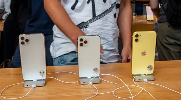 Apple'ın 'ucuz iPhone' planına koronavirüs darbesi