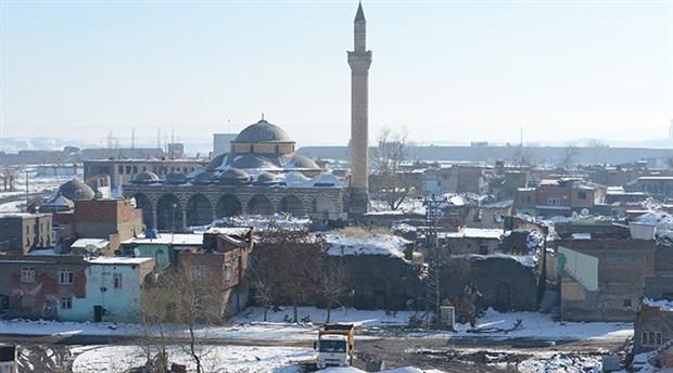 Sur'da yıkılan tarihi yapılar Meclis gündeminde