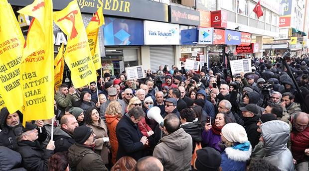 Madımak hükümlüsünün af kararı protestosuna polis engeli
