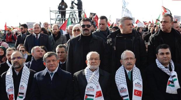 Kılıçdaroğlu ile Davutoğlu, Saadet Partisinin mitinginde buluştu