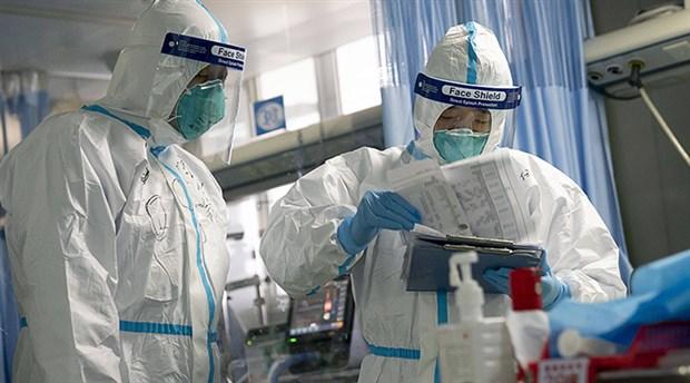 İngiliz iş insanı, 11 kişiye yeni tip koronavirüs bulaştırdı