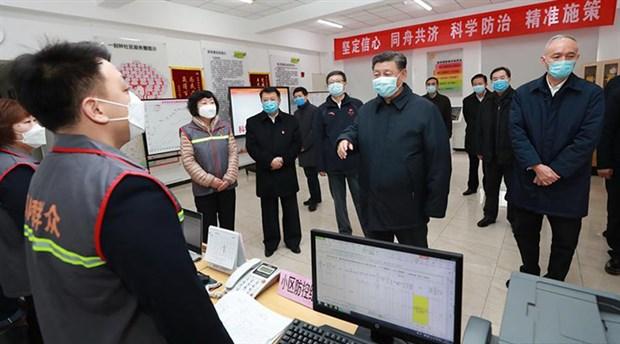 Şi Cinping maskeyle halkın arasına karıştı