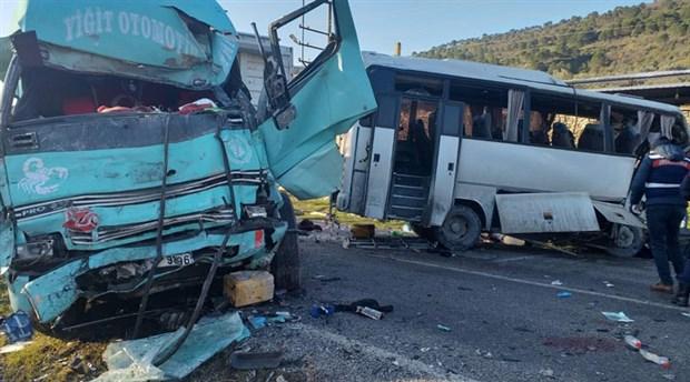 Koza Altın İşletmesi'ne ait işçi servisi kaza yaptı: 4 kişi yaşamını yitirdi
