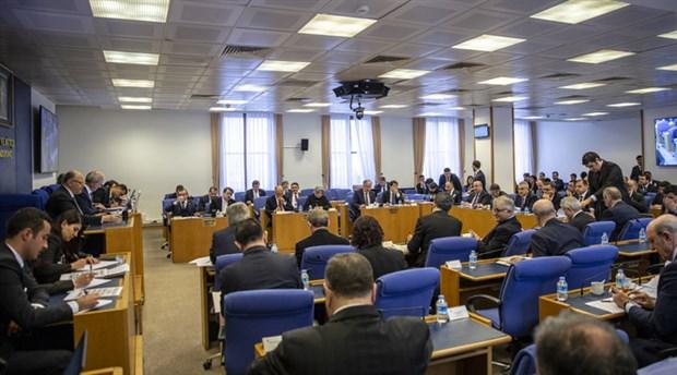 Sınırsız borçlanma yetkisi kabul edildi: Varlık Fonu da, bankalar da batar