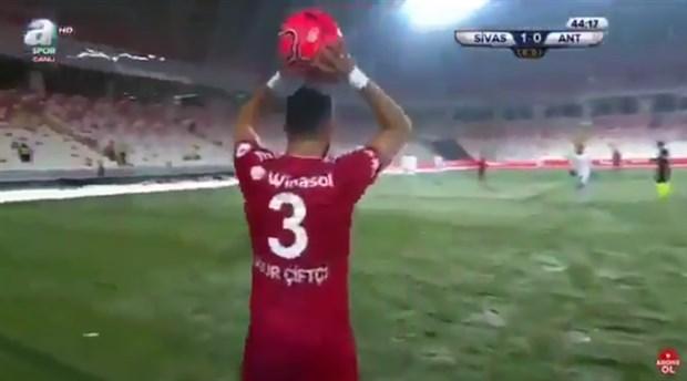 Sivasspor taraftarından A Spor'a tepki: 'A Spor dışarı'