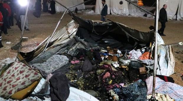 Elazığ'da deprem çadırında yangın: 8 kişi hastaneye kaldırıldı
