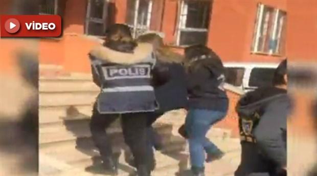 """""""Okulda taciz"""" haberini yapmaya çalışan Kanal D Muhabiri gözaltına alındı"""