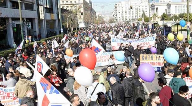 Yunan emekçilerden 24 saatlik genel grev