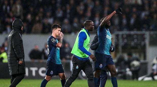 Futbolun ırkçılıkla bitmeyen mücadelesi