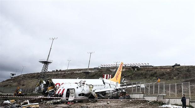 Bakanlık'tan Sabiha Gökçen'de parçalanan uçağa ilişkin açıklama