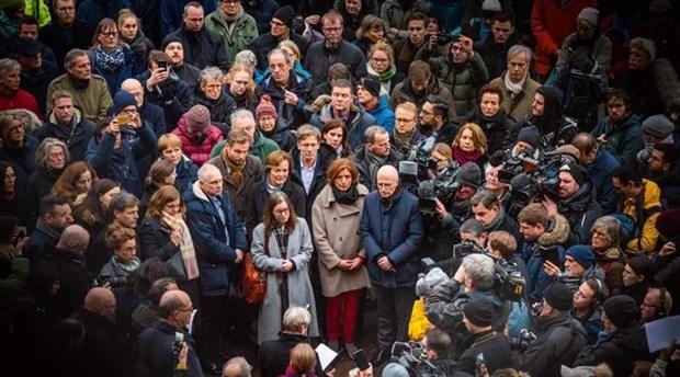 Almanya'da binlerce kişi ırkçı katliamı lanetledi