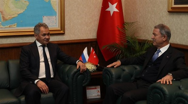 Hulusi Akar, Rusya Savunma Bakanı Şoygu ile İdlib'i görüştü