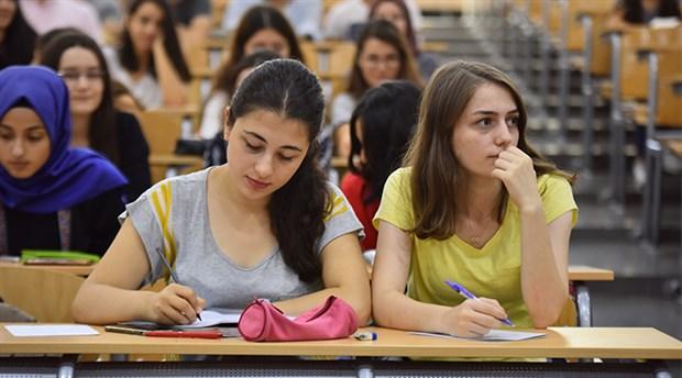 Erkek profesör sayısı kadınların iki katı