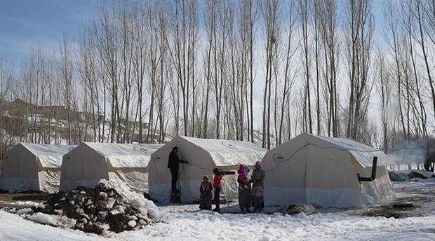 CHP heyeti depremden etkilenen Van'da incelemelerde bulundu