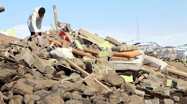 'Deprem bölgesindeki yapılar taş ve briketten yığma usulü yapılmış'