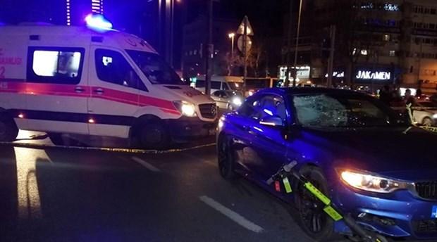 Beşiktaş'ta elektrikli scooter'a araba çarptı, 17 yaşındaki genç hayatını kaybetti