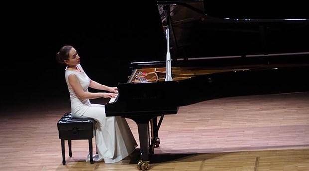 Ödüllü Piyanist Anna Tsybuleva, CRR'de sahne aldı