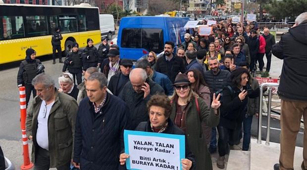 Acıbadem'de tarikat yurduna karşı eylemler sürüyor