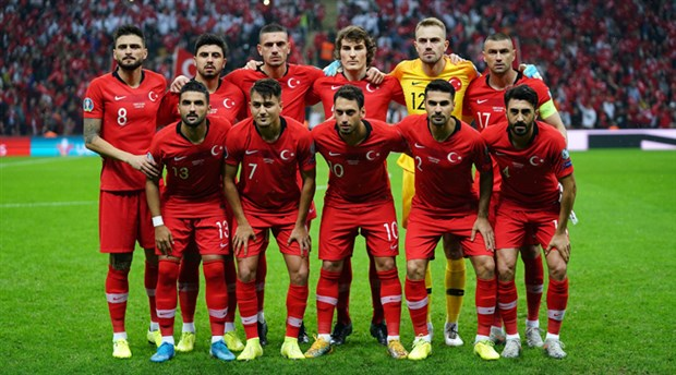 İtalya-Türkiye maçı koronavirüs nedeniyle ertelenecek mi?