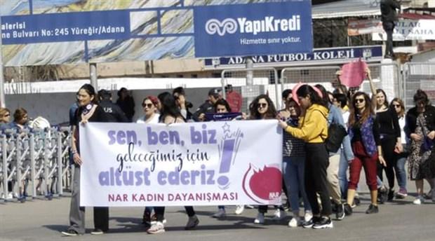 Adana'da alanlara inen kadınlar, 'barış'ı haykırdı!