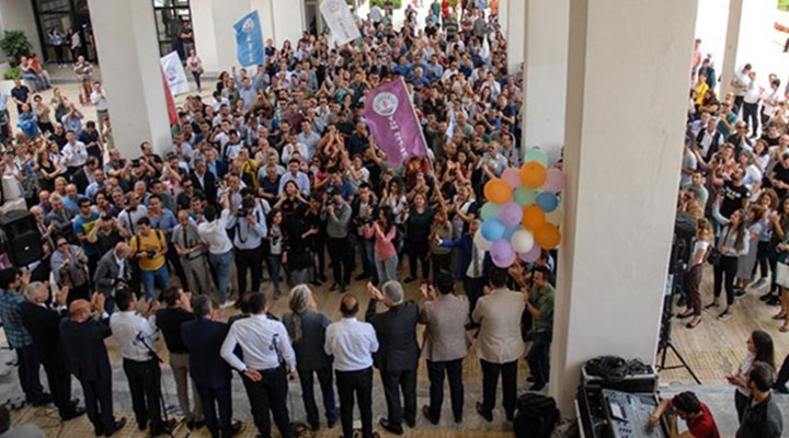İzmir Büyükşehir Belediyesi'nde toplu iş sözleşmesi görüşmeleri başladı