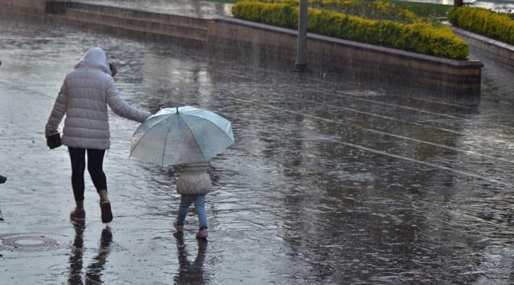 Meteoroloji'den kuvvetli sağanak ve fırtına uyarısı