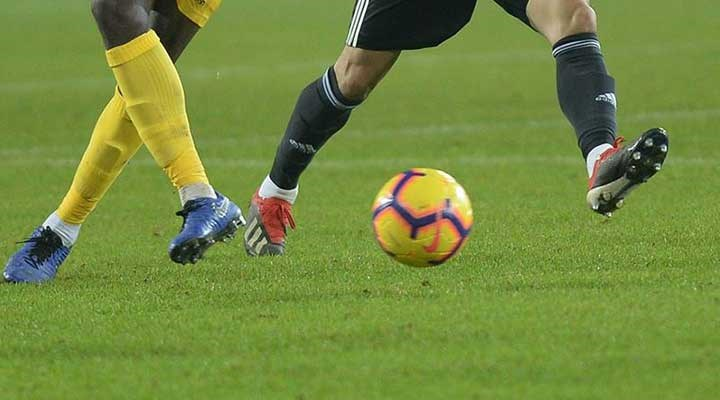 Futbolculardan maçlara 'seyircisiz devam' kararına tepki