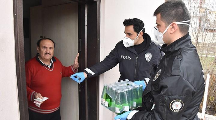 Evde maden suyu bitince polisi arayıp bir kutu sipariş etti