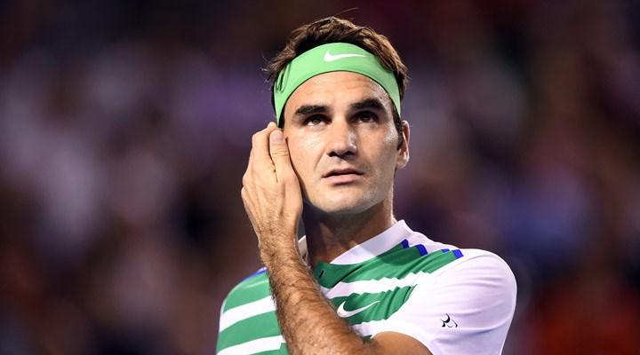 Roger Federer'den koronavirüsle mücadele için 1 milyon dolar yardım