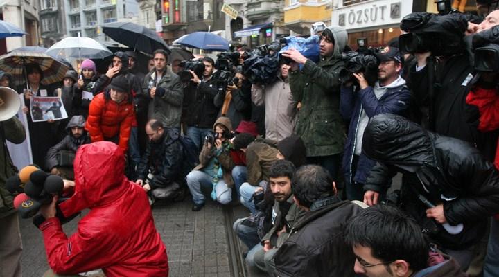 CHP'li vekiller: Medya kuruluşları ve gazetecileri destekleyin