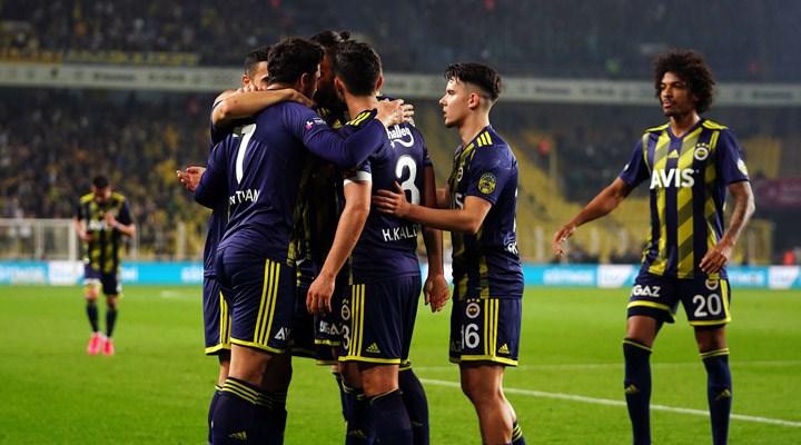Fenerbahçe'de 4 isimle yollar ayrılacak