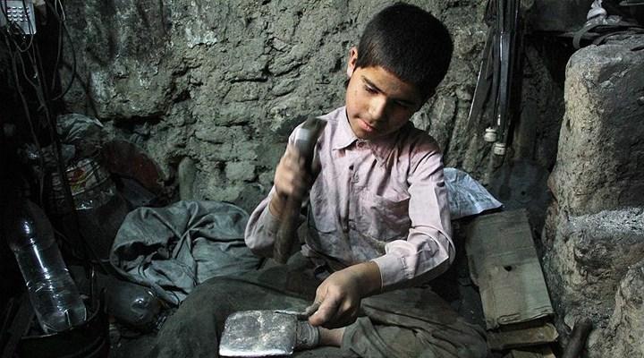 720 bin çocuk ekmek peşinde: En küçüğü altı yaşında