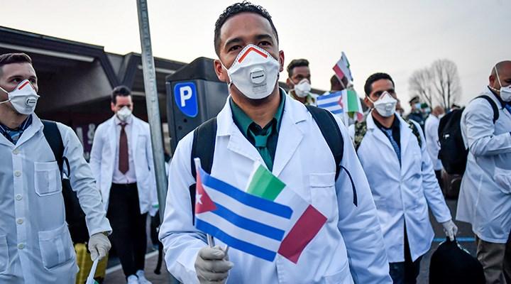 28 bin tıp öğrencisi ev ev dolaşıyor: Küba'da koronavirüs seferberliği