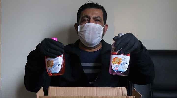 İnternetten sipariş ettiği maske ve dezenfektan yerine sabun ve bitki çayı geldiğini iddia etti