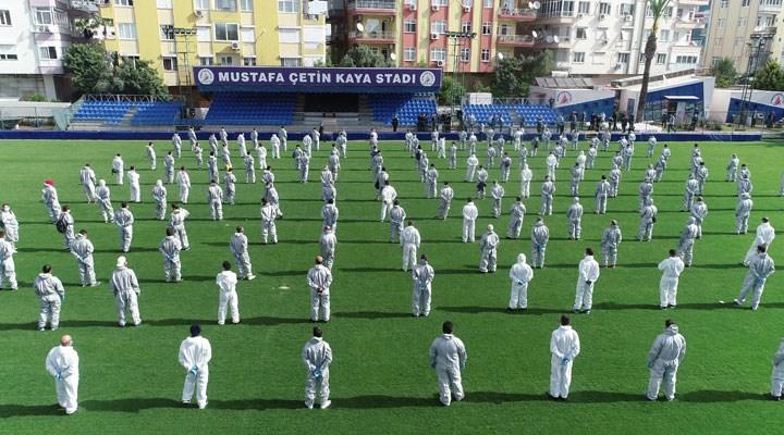 Muratpaşa'da 250 kişilik maske dağıtım ekibi göreve başladı